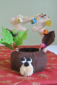 Plastic Canvas reindeer candy basket
